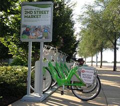 Link bike share station at RiverScape